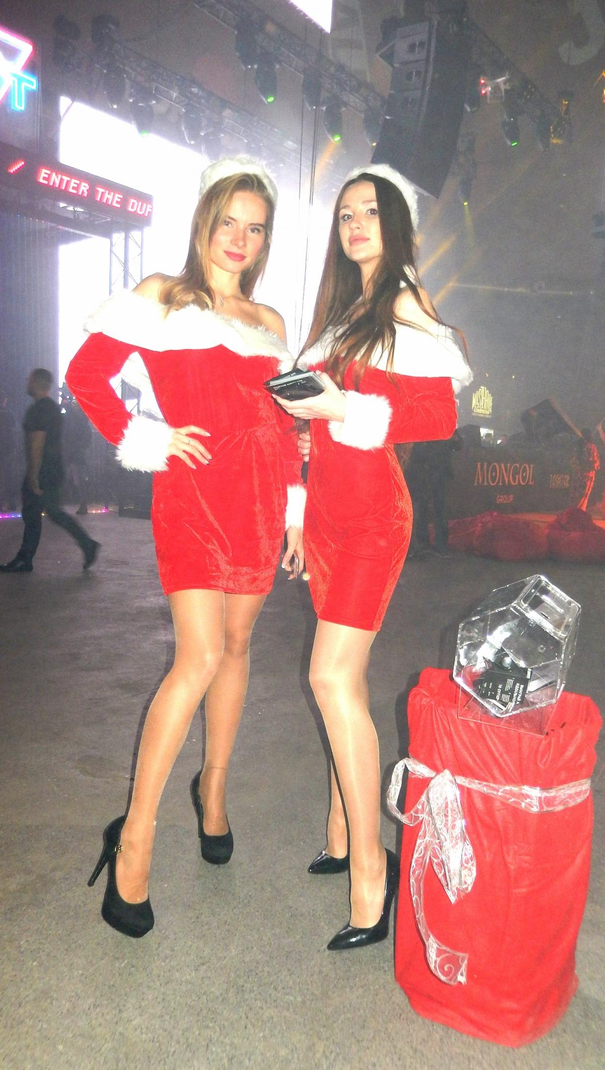 JohnCalliano Christmass 2019. Помощники Санты